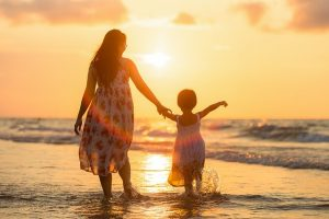 a woman and her daughter before their child custody agreement is determined